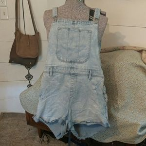Xl light jean old Navy shorts overalls